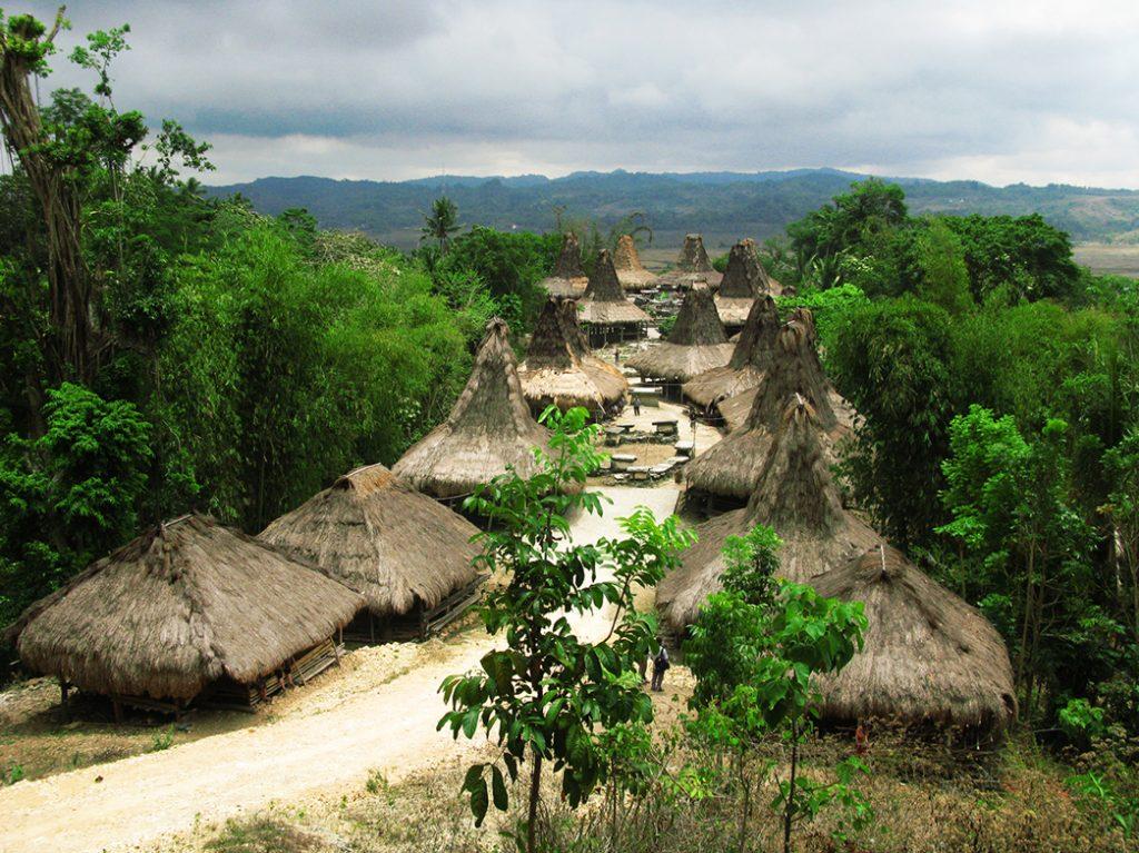 west-sumbamonica-renata