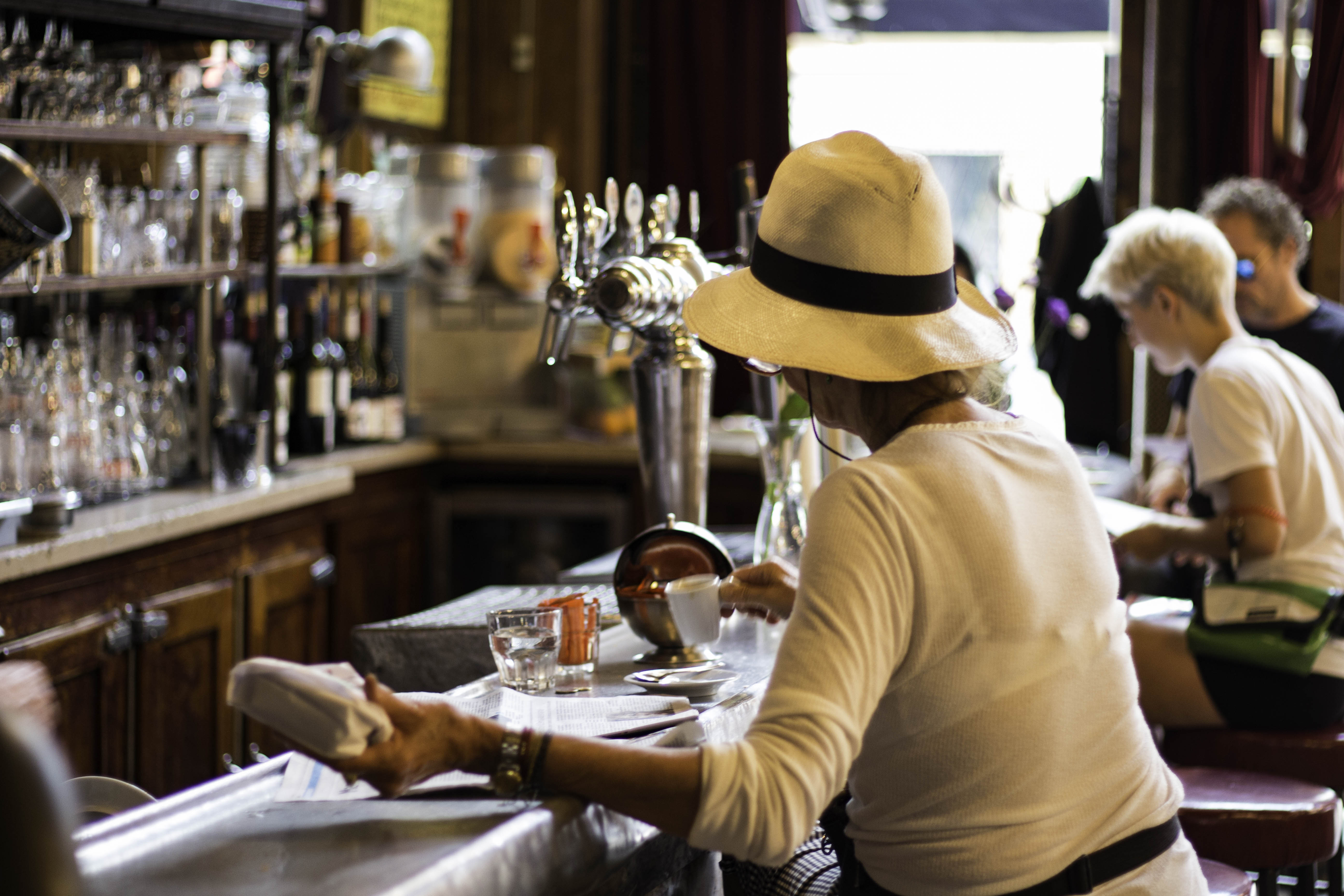Rues de Paris - Charbon café