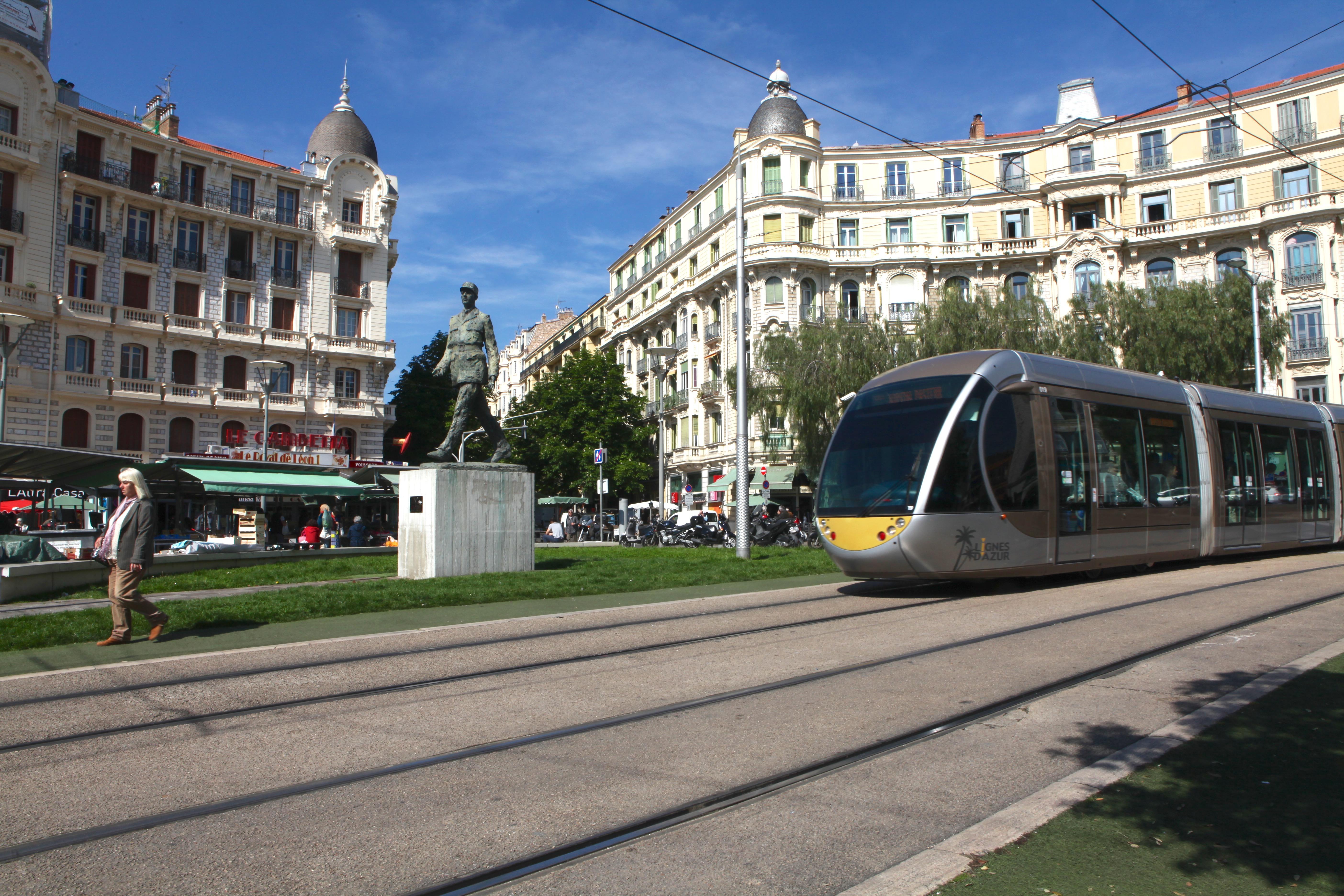 Place De Gaulle