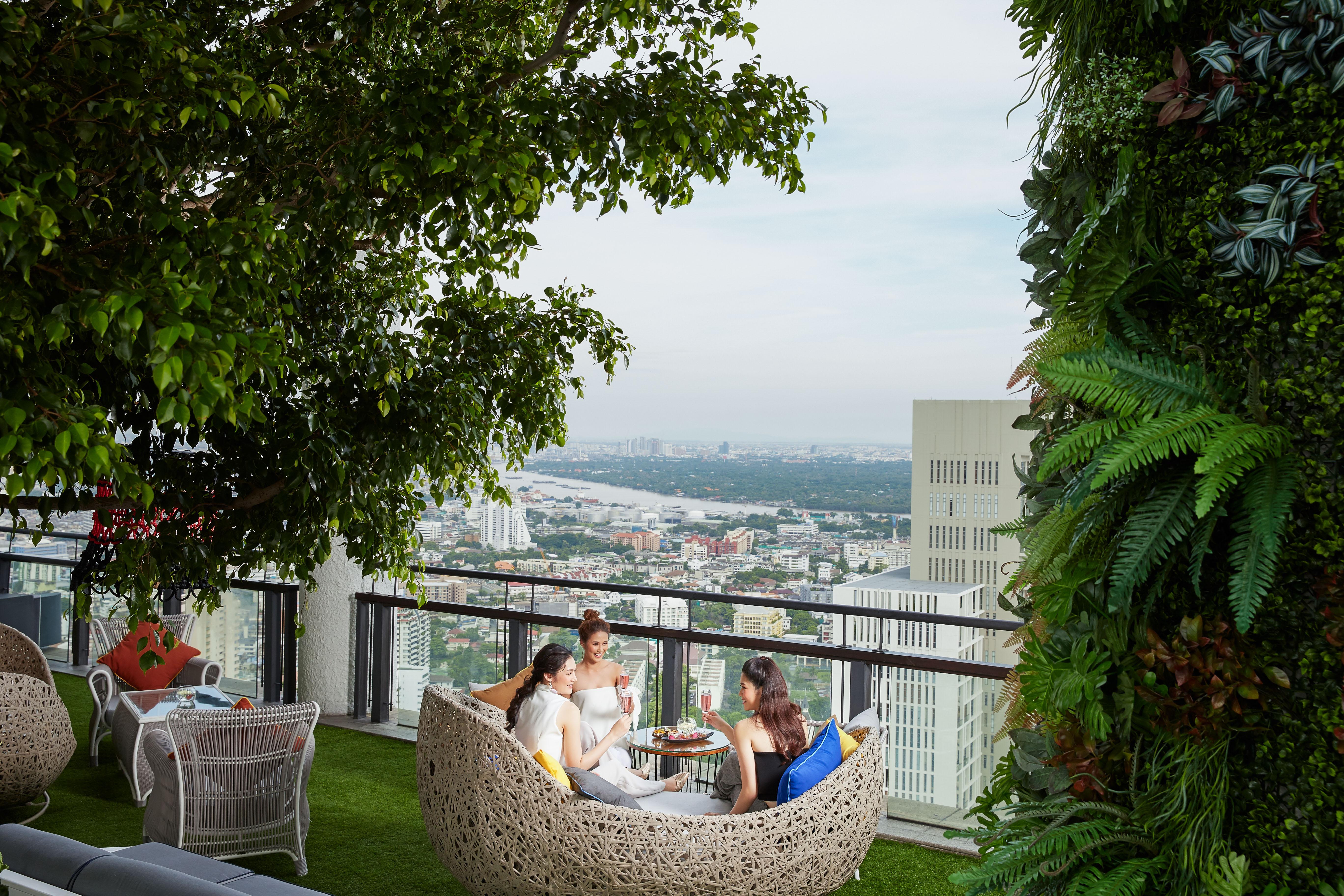 Banyan Tree BKK-Dining_Saffron_Sky_Garden