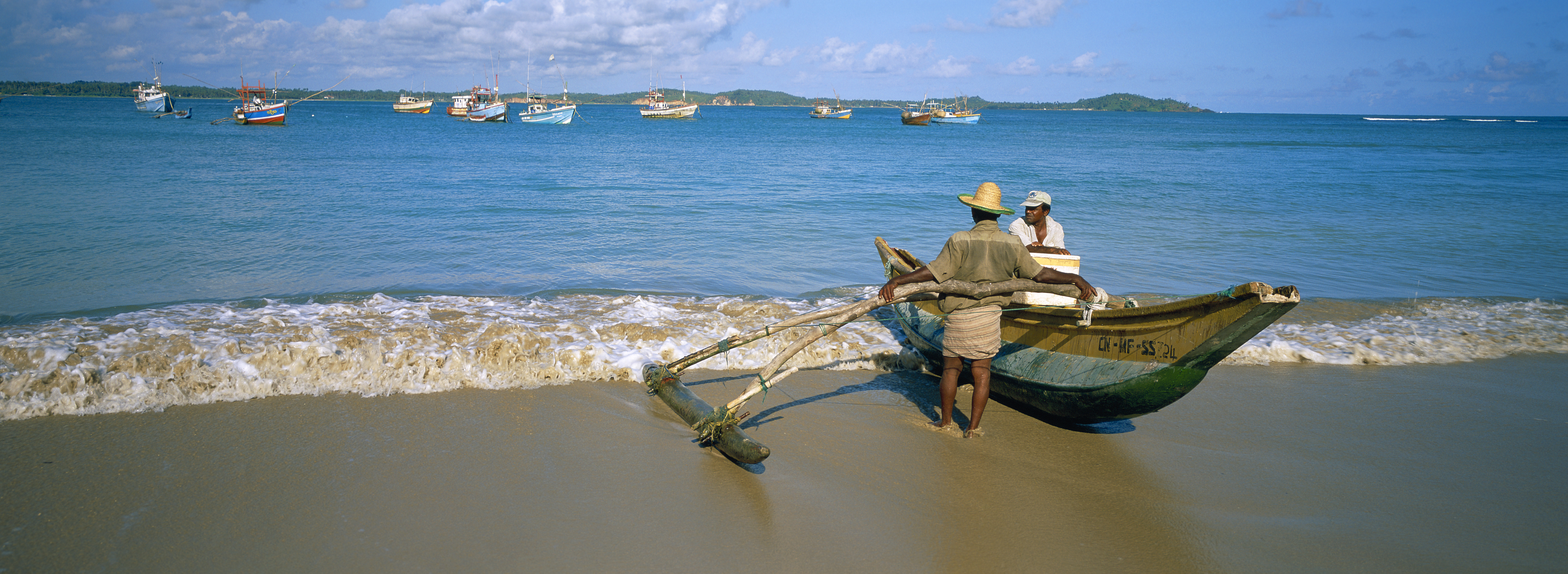 Weligama beach - Fisherman - South coast - Sri Lanka