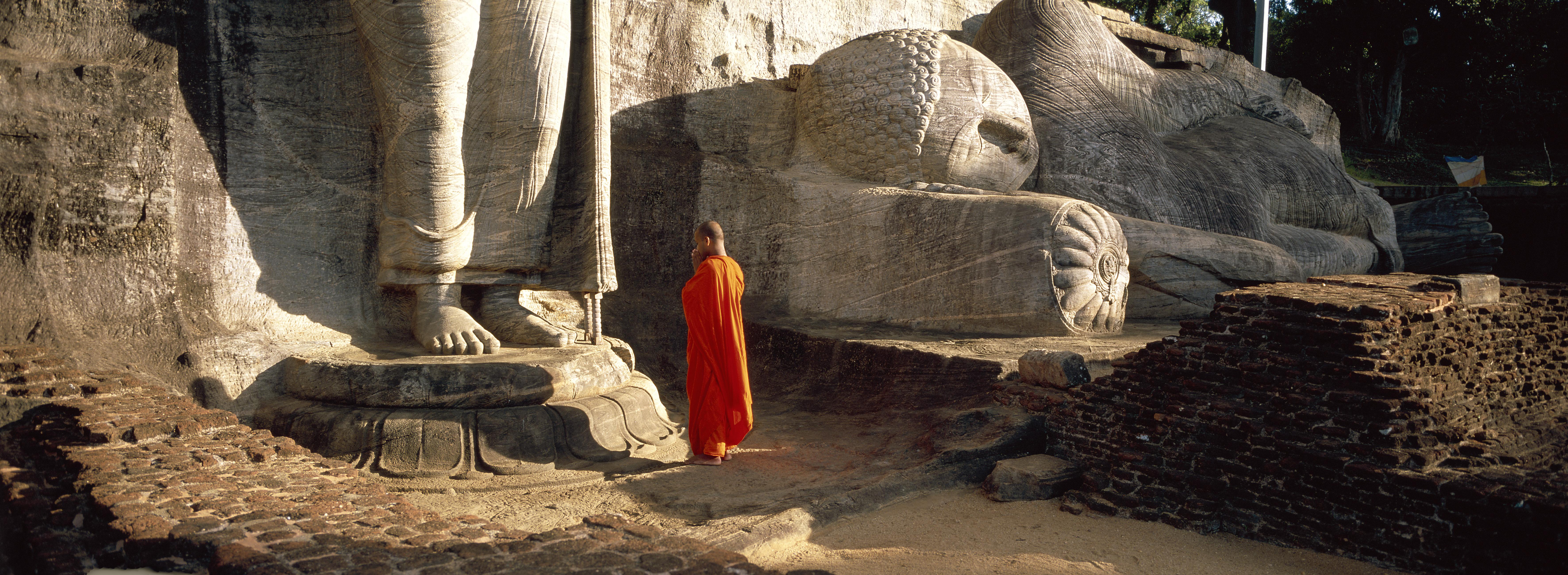 Giant Bouddha of Gal Vihara - Polonnaruwa - Sri Lanka