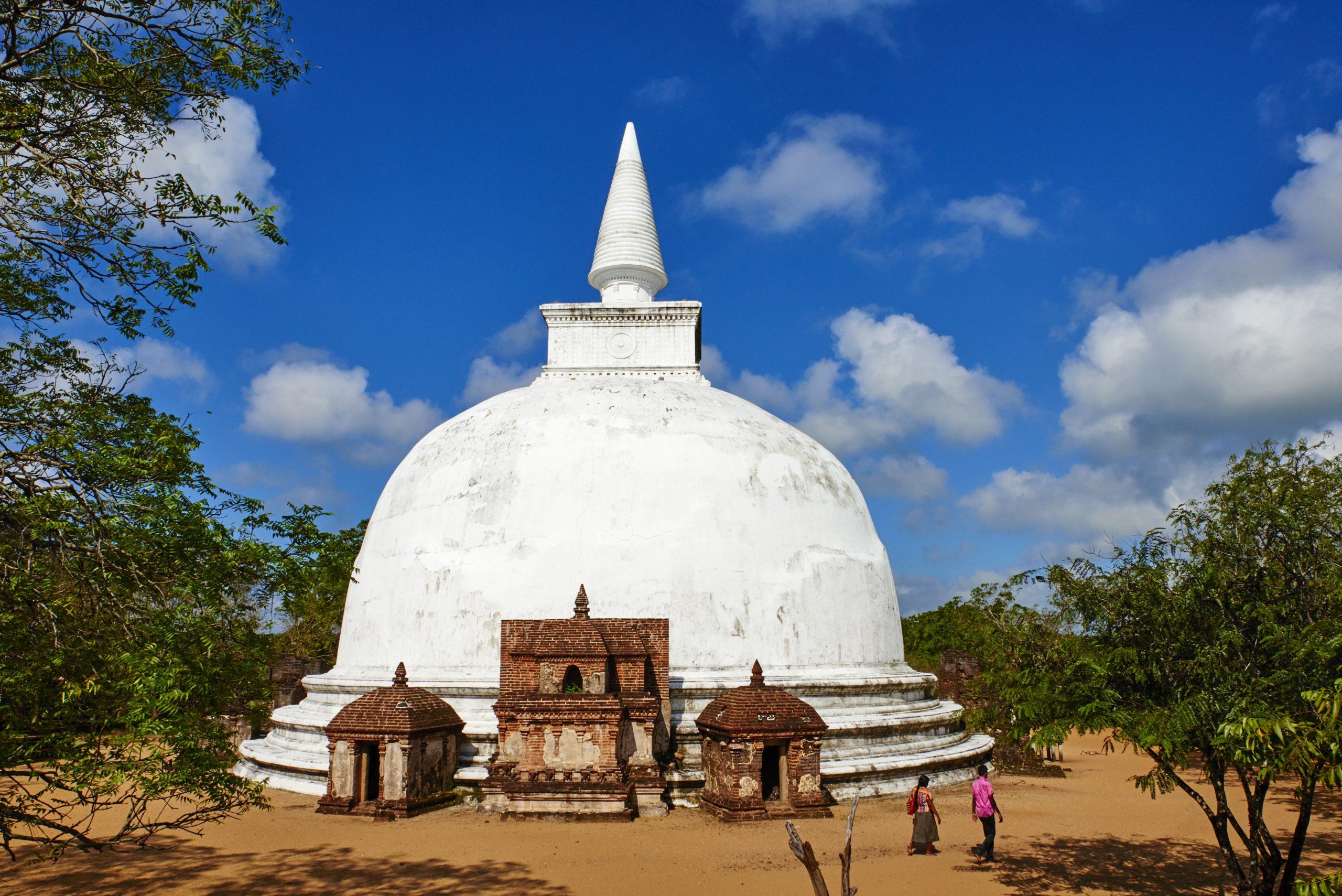 Sri Lanka, Polonnaruwa, Kiri vihara temple