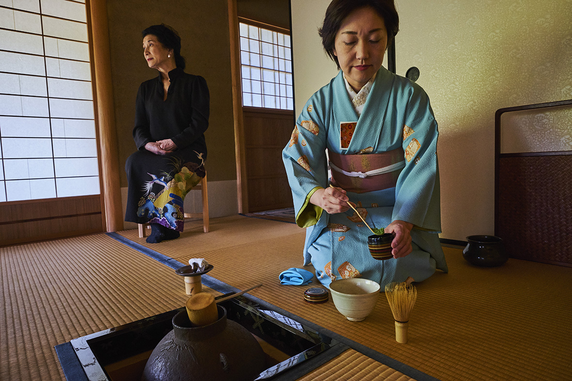 Japan, Honshu island, Kansai region, Kyoto, tea ceremony