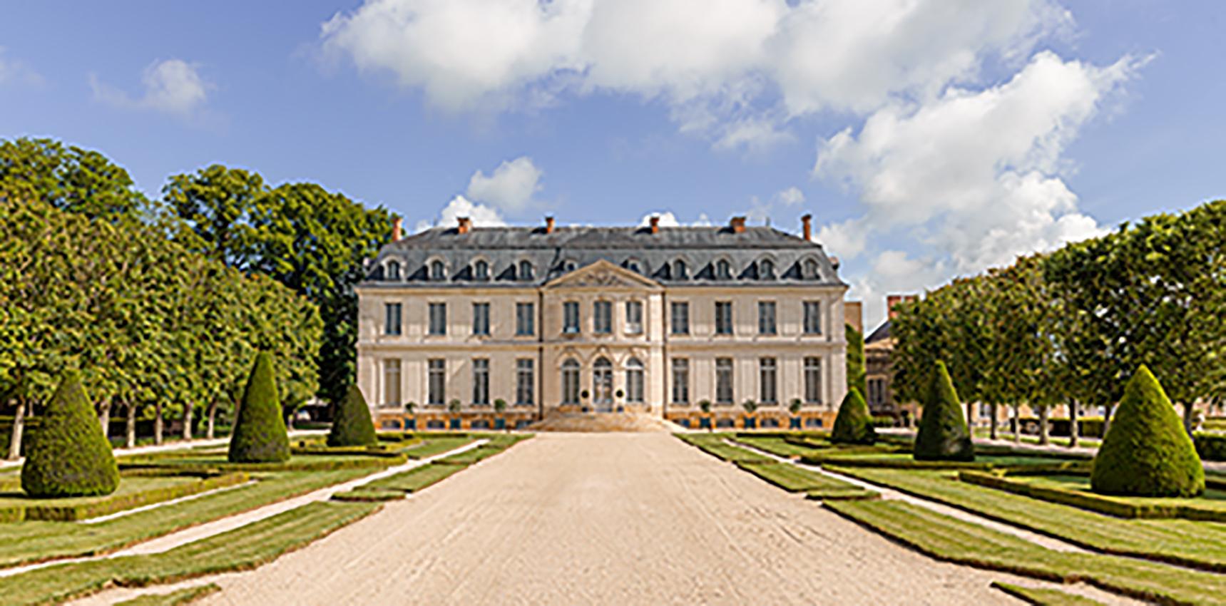 HotelChâteau_Photo Credit Adam Lynk (1)