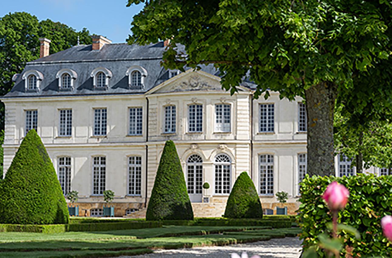 HotelChâteau_Photo Credit Adam Lynk (2)