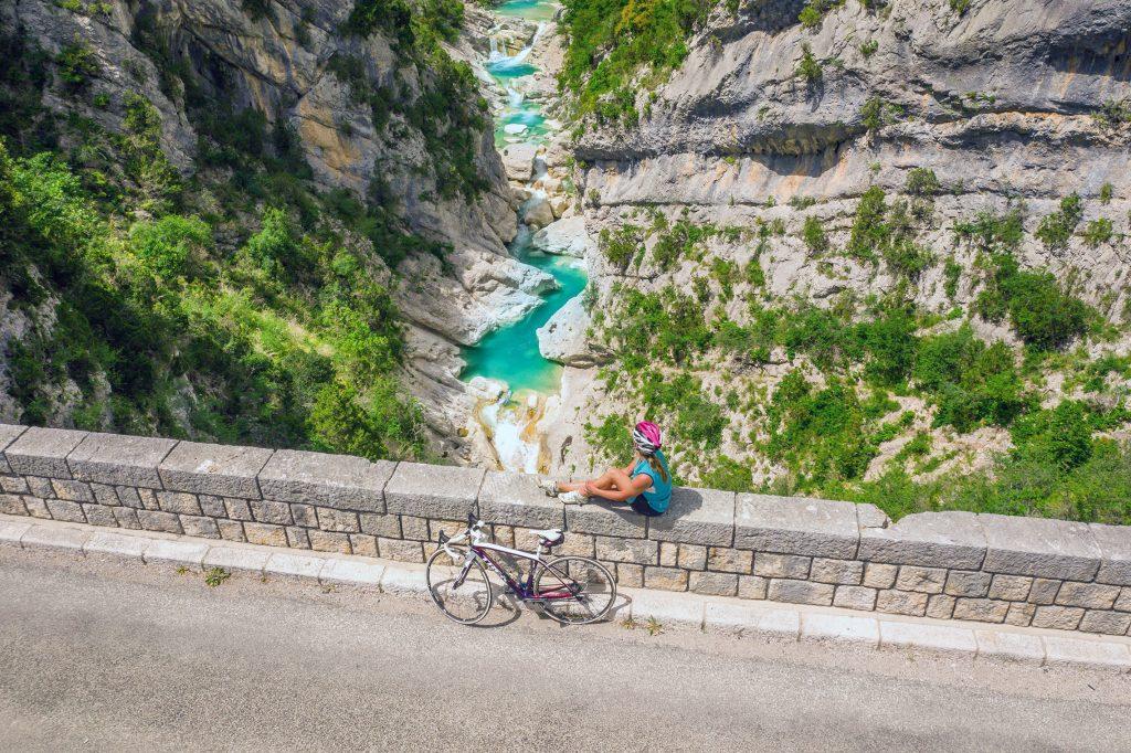 Aiglun-velo-route (c) CRT Côte d'Azur France - Isabelle Fabre