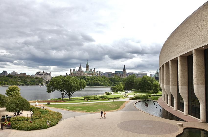 colline parlement, musee histoire à drte