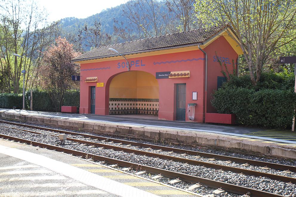 Gare de Sospel. L'un des arrêts du Train des Merveilles. Sonia VERANI (1)