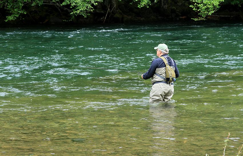 north-umpqua-river-3957232